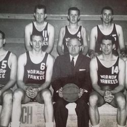 One of the Mormon Yankees teams pose for a team photo.