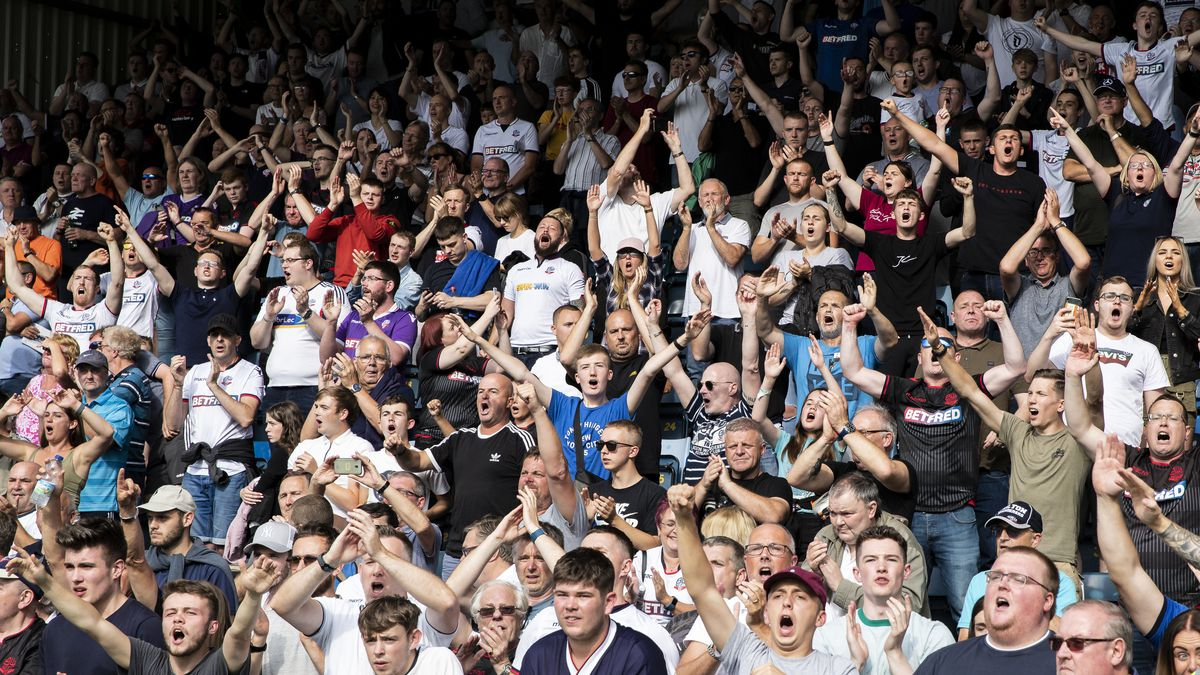 Wycombe Wanderers v Bolton Wanderers - Sky Bet Leauge One