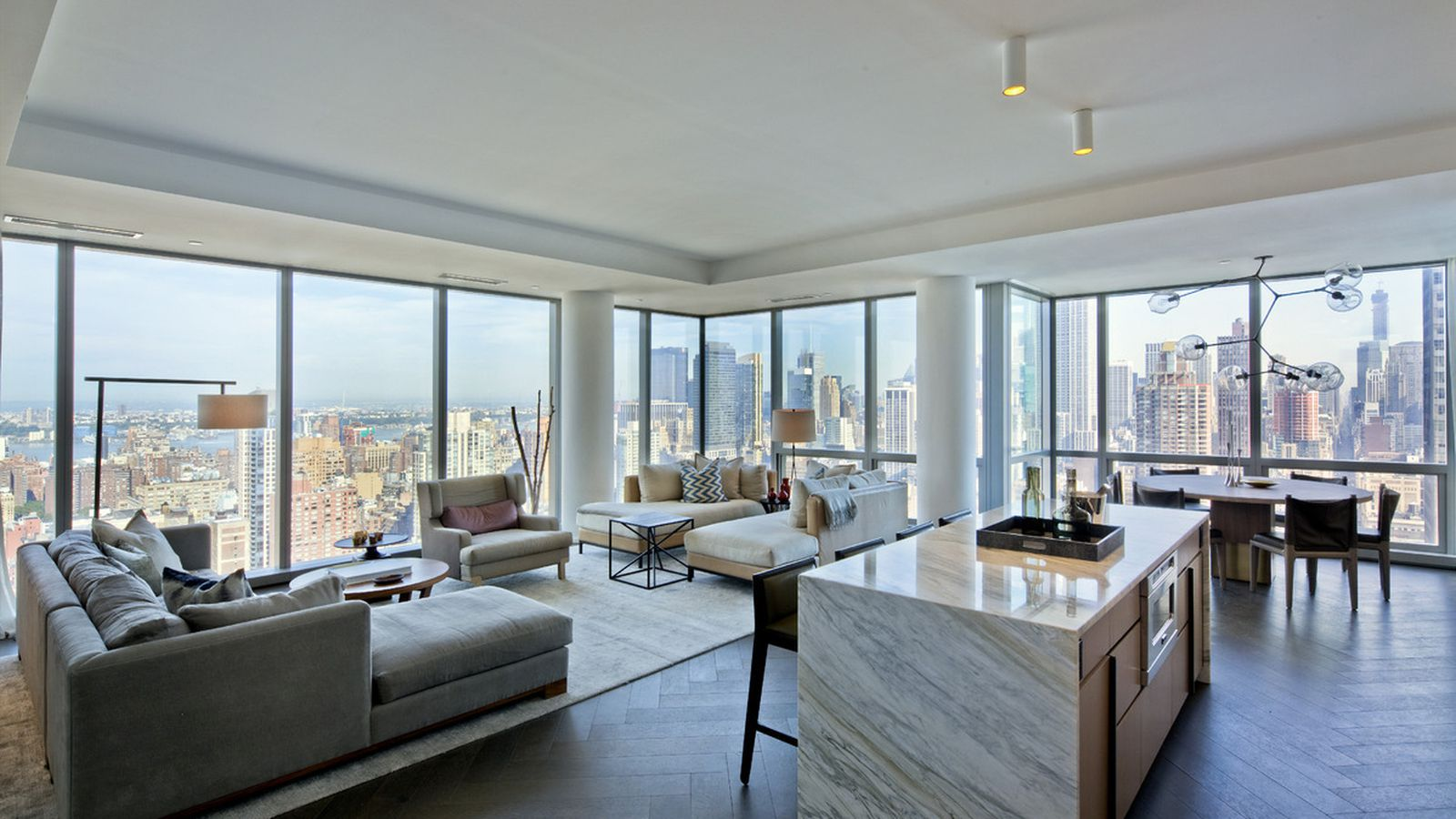 Tom Brady S Nyc Apartments Are High End Paparazzi Proof