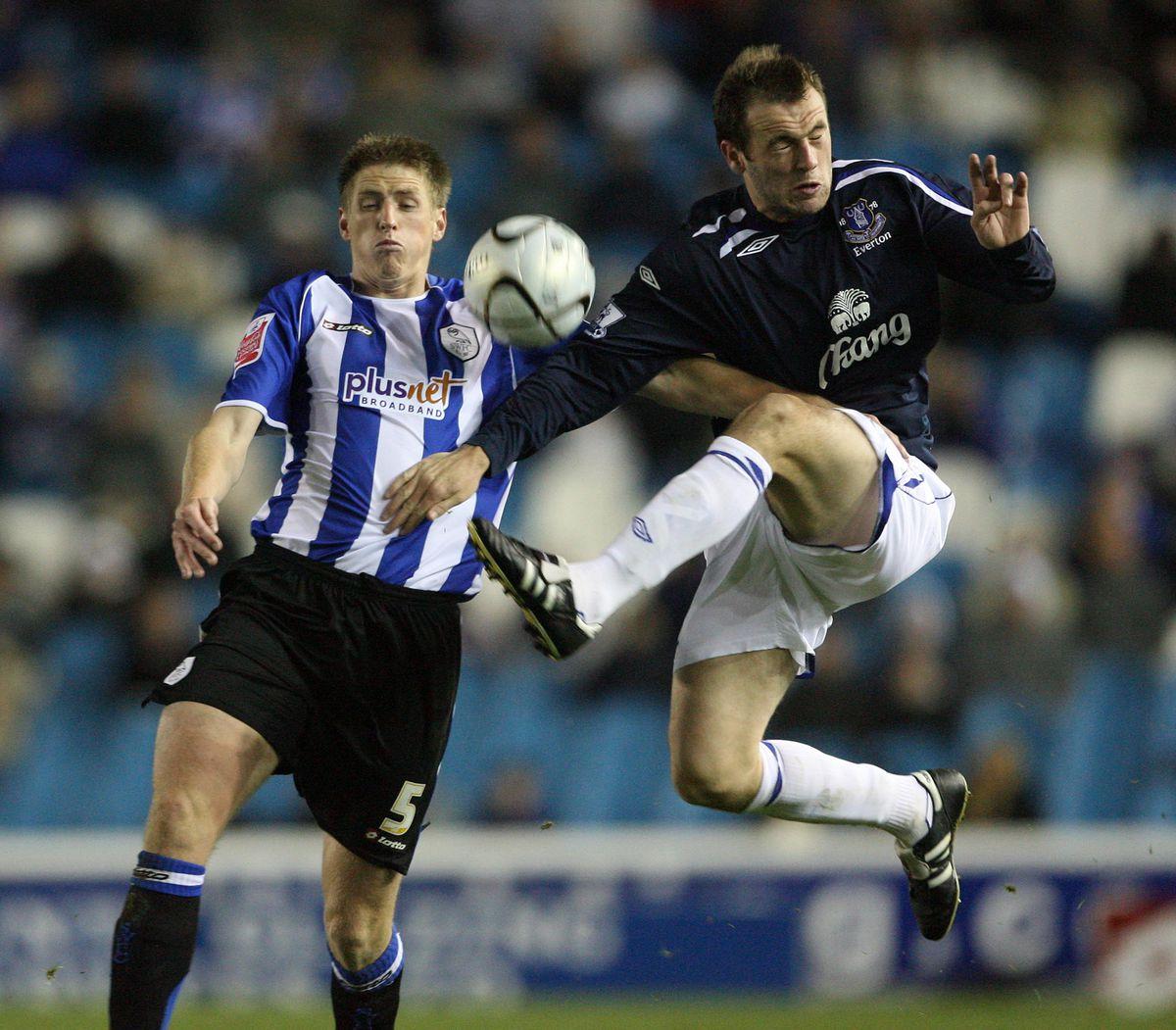 Soccer - Carling Cup - Third Round - Sheffield Wednesday v Everton - Hillsborough