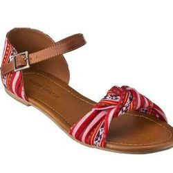 """<a href=""""http://www.target.com/p/Womens-Mossimo-Supply-Co-Wilton-Flat-Sandal-w-Ankle-Strap-Assorted-Prints/-/A-13816883#?lnk=sc_qi_detailbutton""""> Mossimo Supply Wilton flat sandal</a>,$18 target.com"""