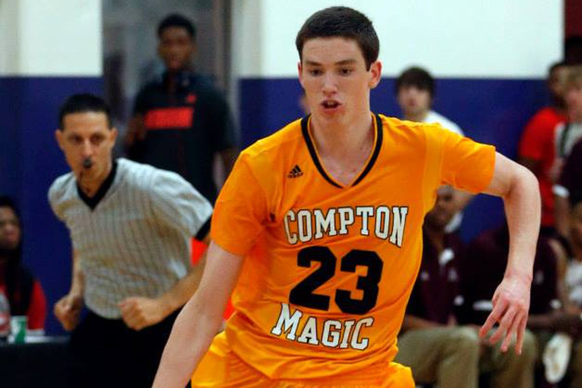 2016 PF T.J. Leaf is the latest national recruit to gain a Wisconsin offer.
