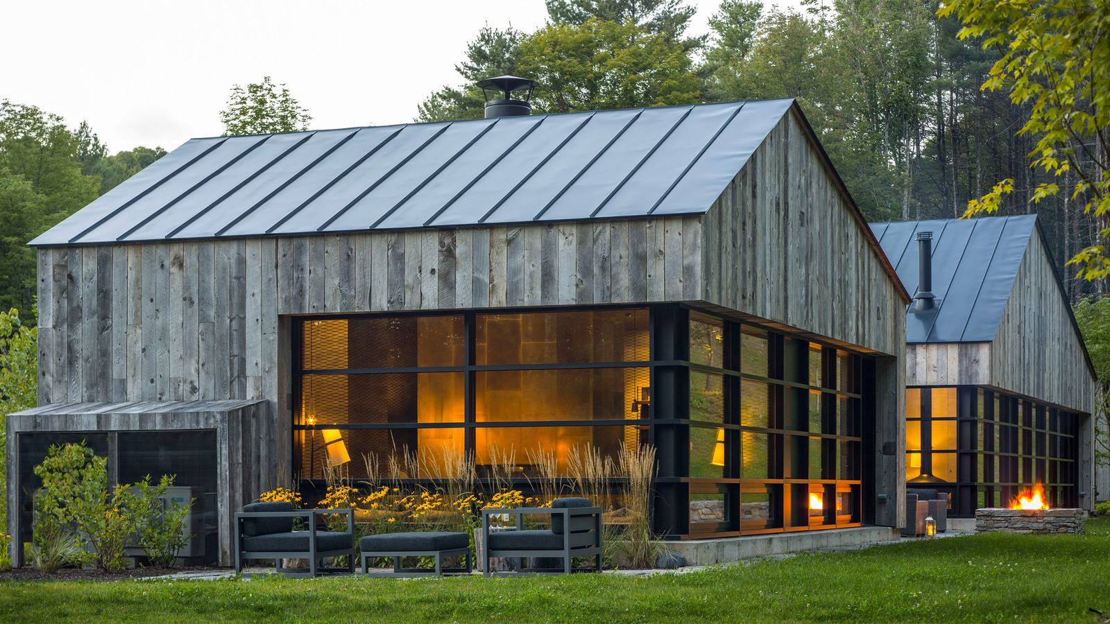 Sleek Guesthouse Clad In Repurposed Wood Rises In Vermont