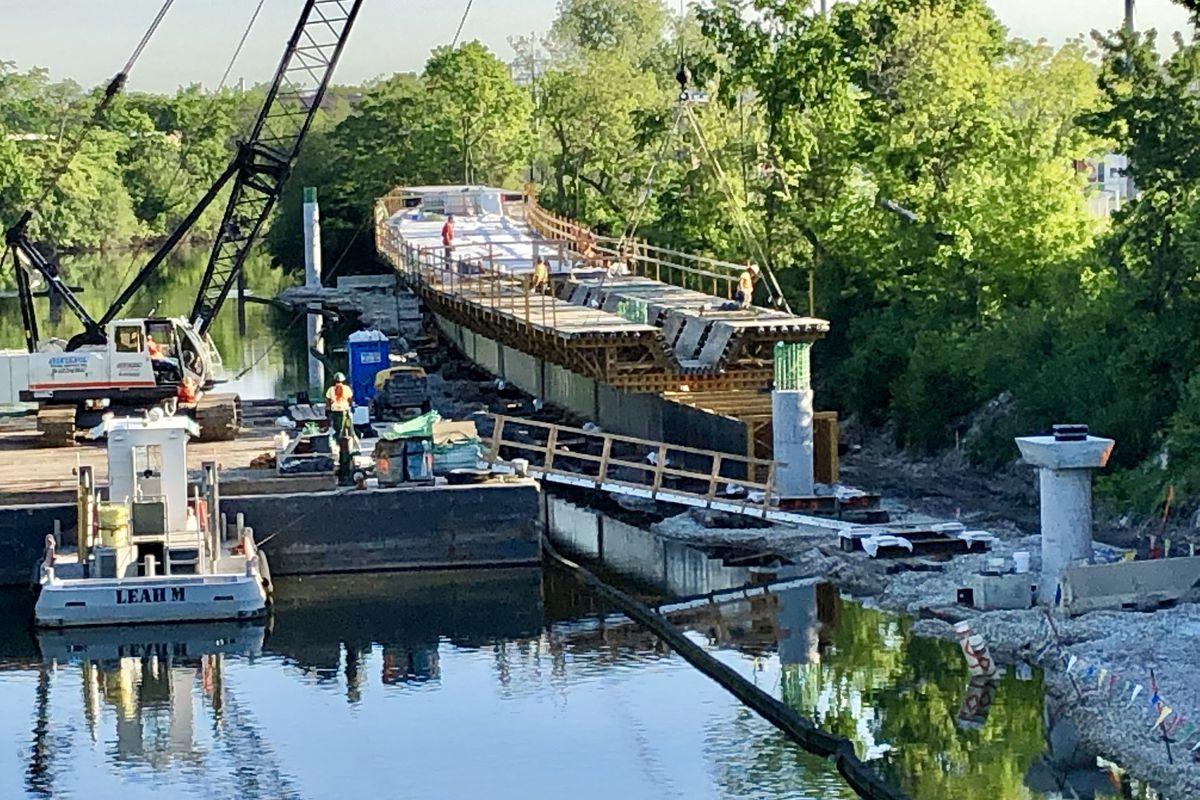 Riverview Bridge construction along Chicago River