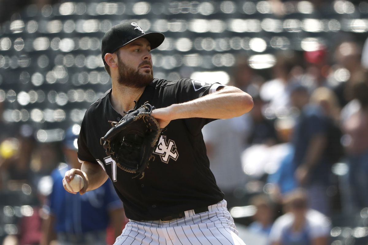 Lucas Giolito sets White Sox record with 8 consecutive strikeouts