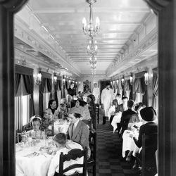 The dining car of a Pullman train in 1937. | Sun-Times Archives