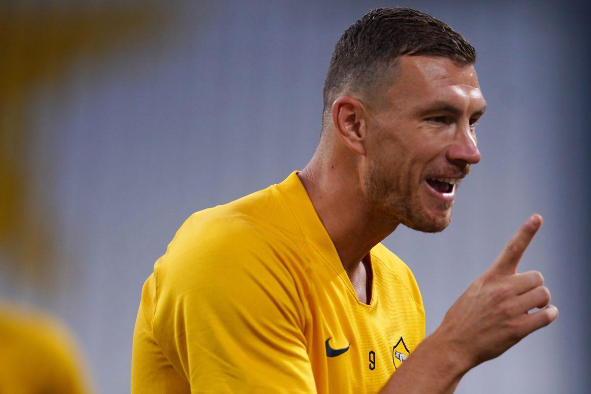 Edin Dzeko of As Roma during the Serie A match between...
