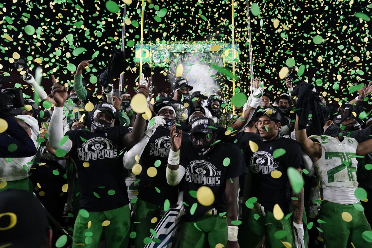 Oregon celebrates after winning the Pac-12 Conference championship against Southern California in 2020.