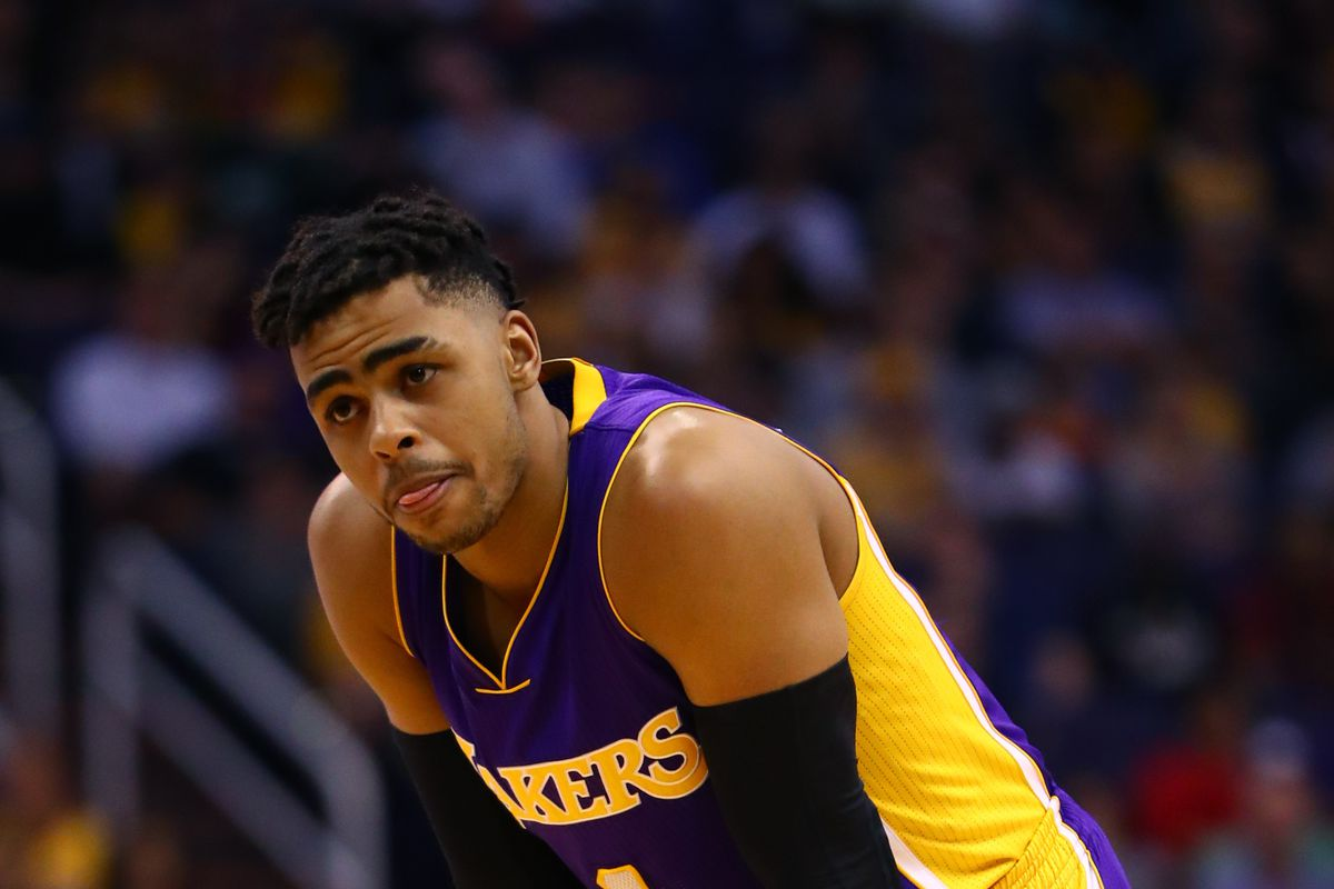 Lakers News Magic Johnson implies D Angelo Russell isn t a leader