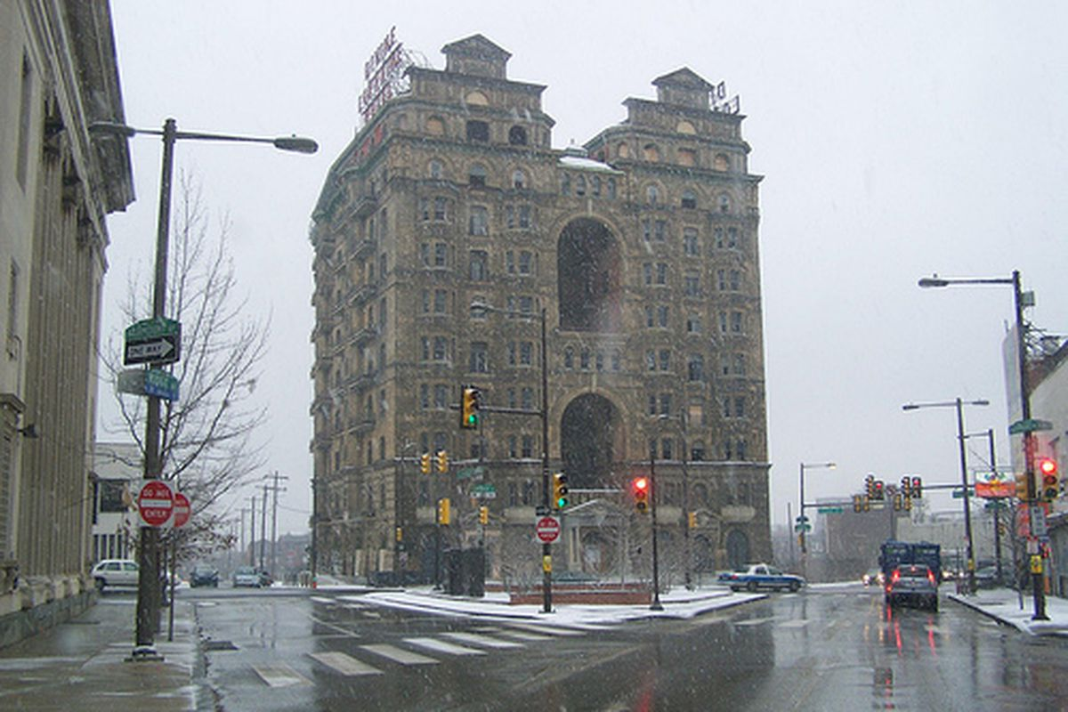 Who's moving into the Divine Lorraine?