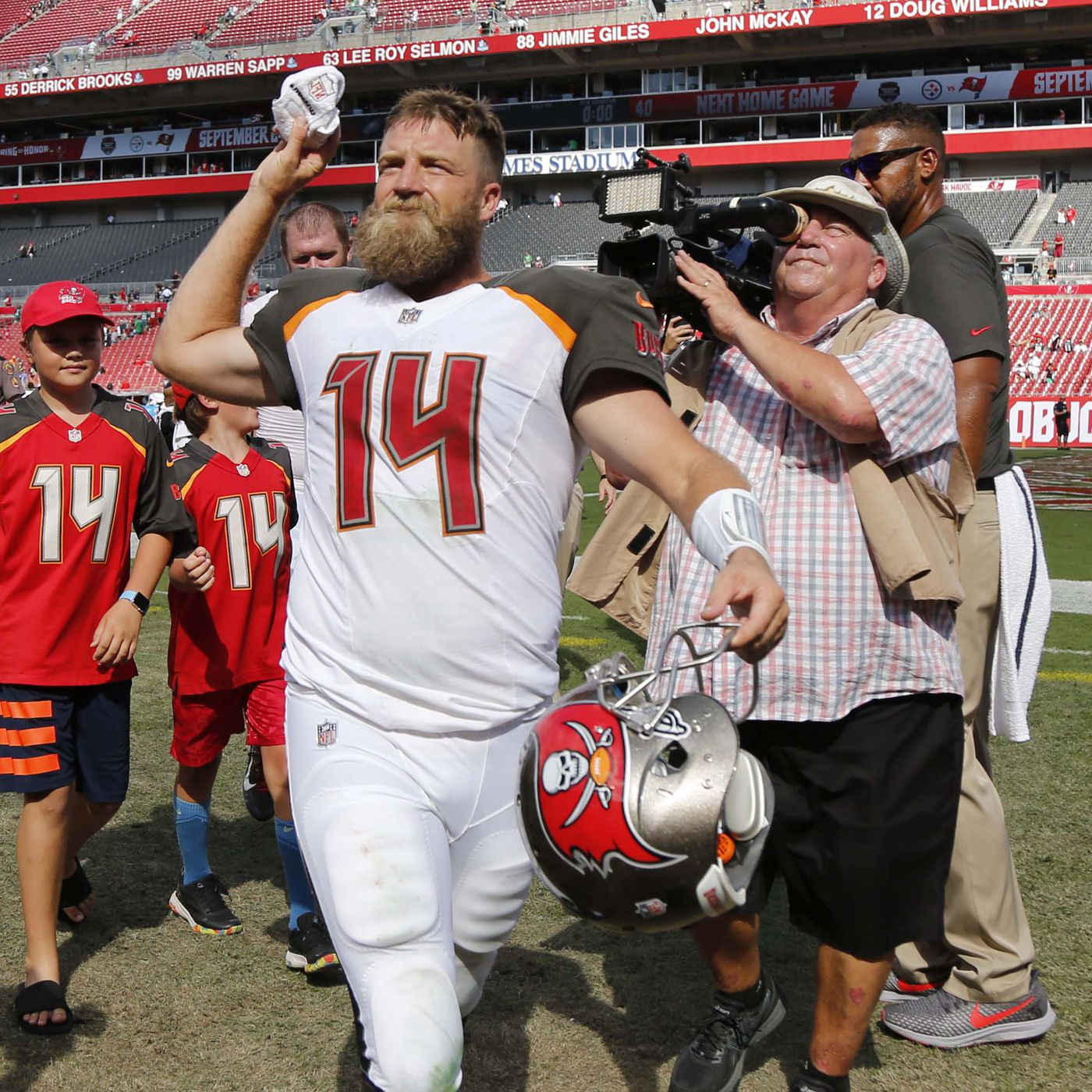best sneakers aac35 c0d19 Will Ryan Fitzpatrick replace Jameis Winston as the Bucs ...