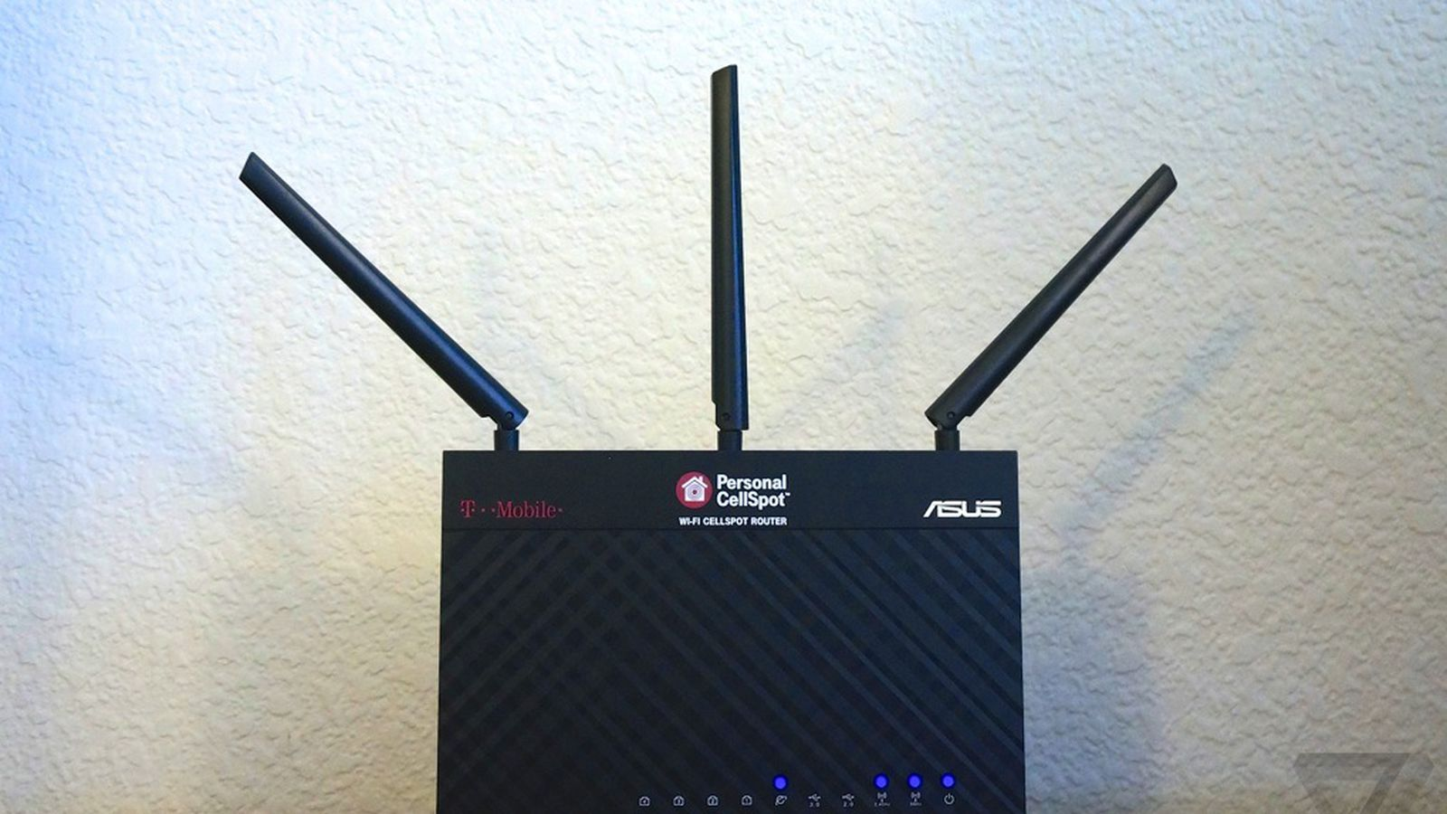Router mobile et modems - Would You Get A New Wi Fi Router Just To Use Your Cell Phone Indoors T Mobile Hopes So The Verge