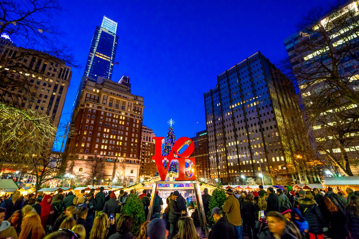 Christmas Village Philly.Love Statue Plans For 2018 Return To Love Park Update