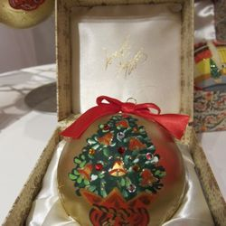 Customized limited-edition ornaments
