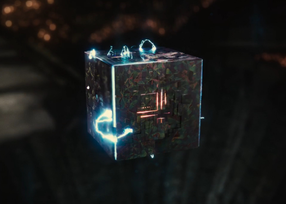 The human mother chest just before resurrecting Superman in Zack Snyder's Justice League