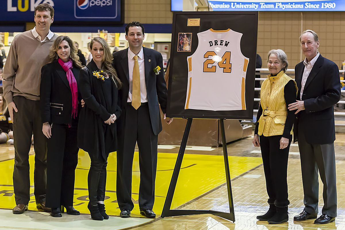 Bryce Drew celebrates his jersey retirement with his family, including former coach Homer Drew