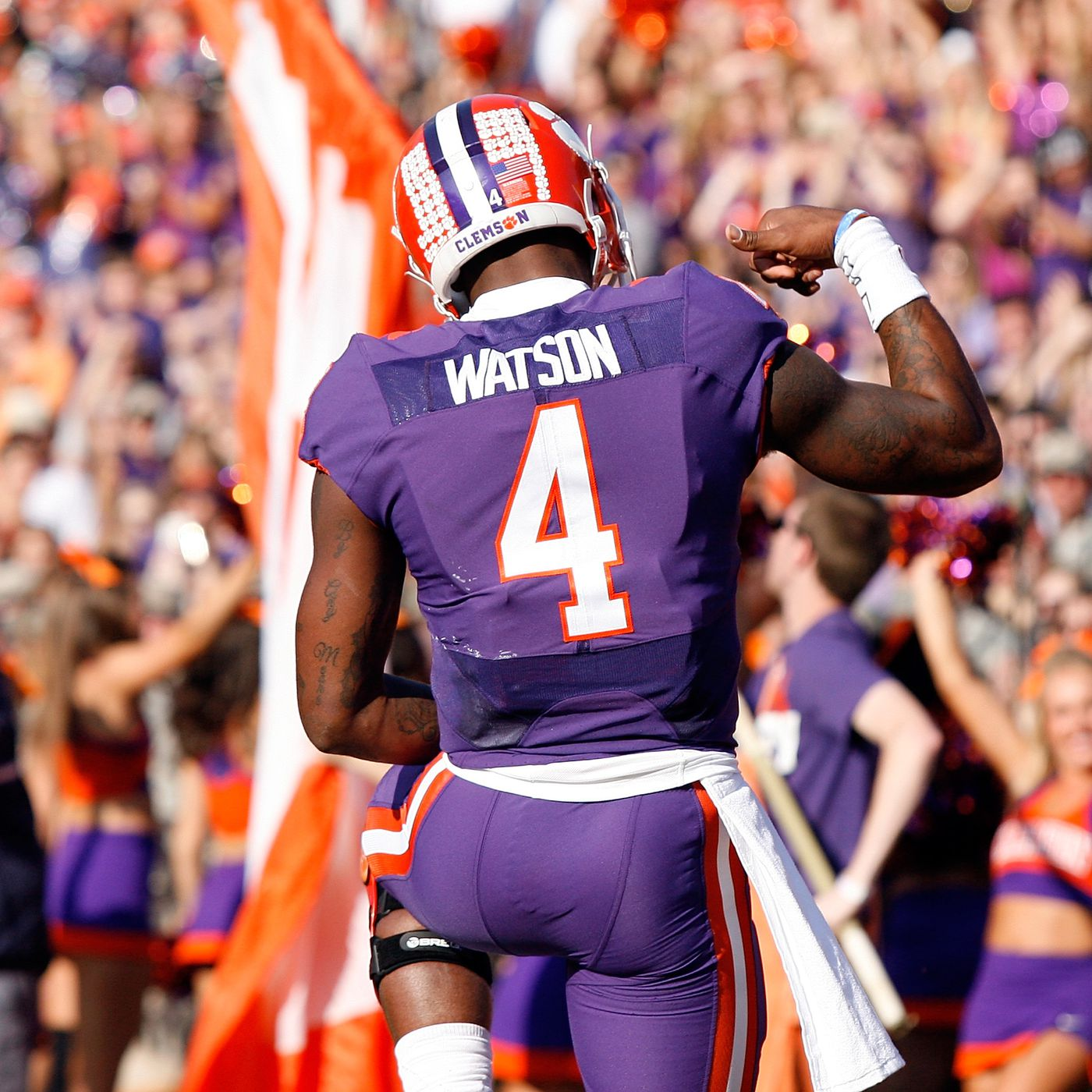 separation shoes 527b9 a04b6 Clemson rolls to a blowout victory over Syracuse and Deshaun ...