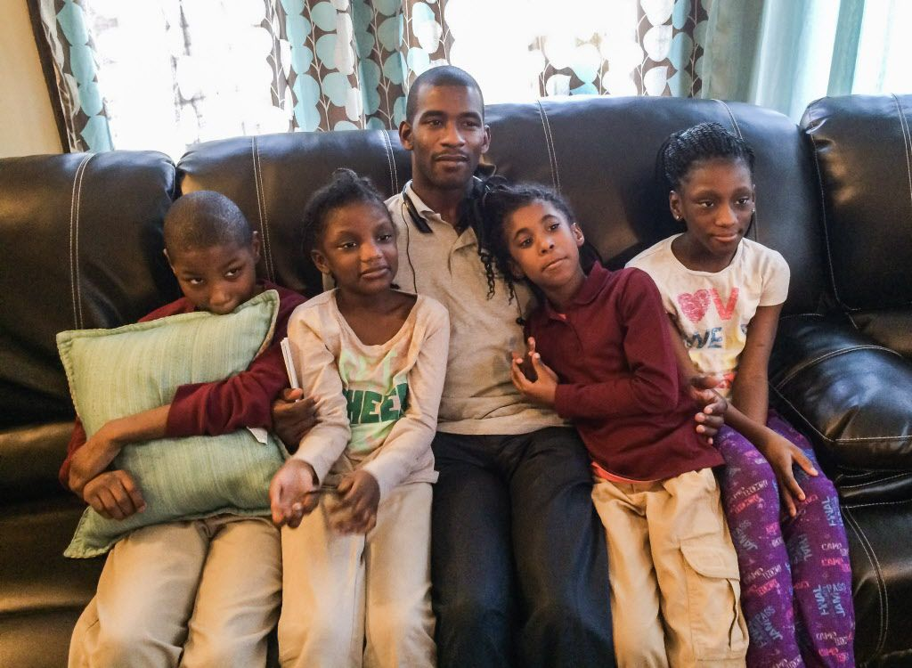 Jamaine Parish lives in a crowded bungalow in Marquette Park with 14 relatives and pays $479 toward the $1,938 total monthly rent, with the CHA covering the rest. He pays more than what 85 percent of all households in the voucher program pay. His share is