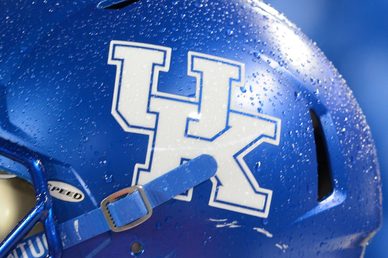 Paul Rodriguez commits to Kentucky