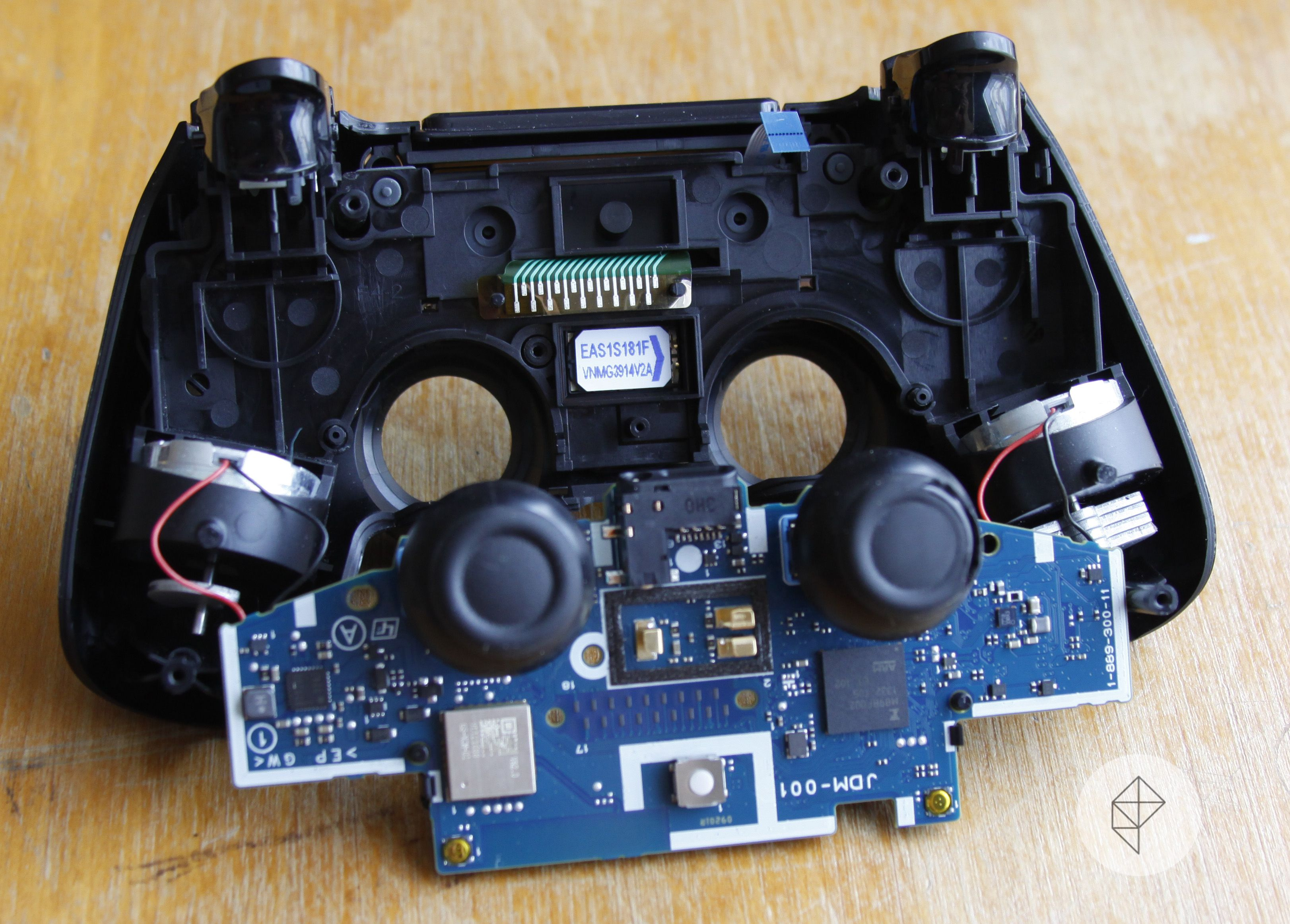 How To Replace Your Worn Out Playstation 4 Thumbsticks Polygon Xbox Motherboard 360 Ds4 Repair Cover