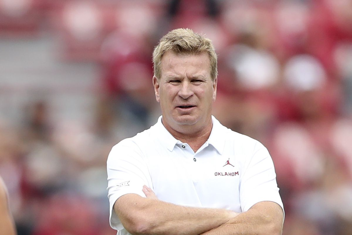 Mike Stoops is gone, and Oklahoma fans are SO happy