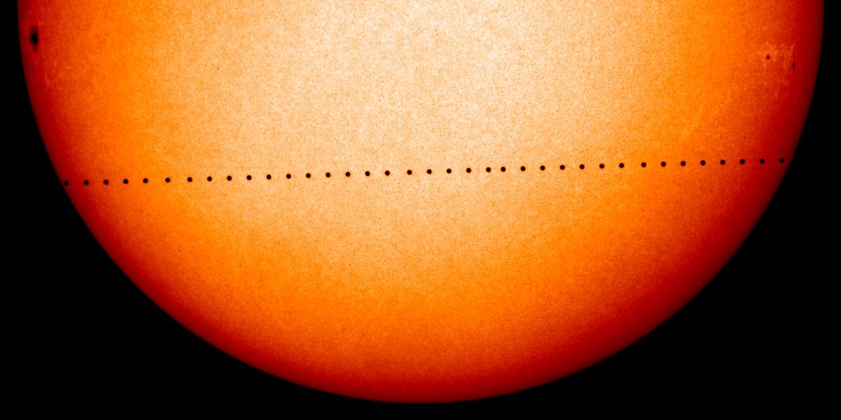 Time-lapse of Mercury's transit across the sun in May 2006.