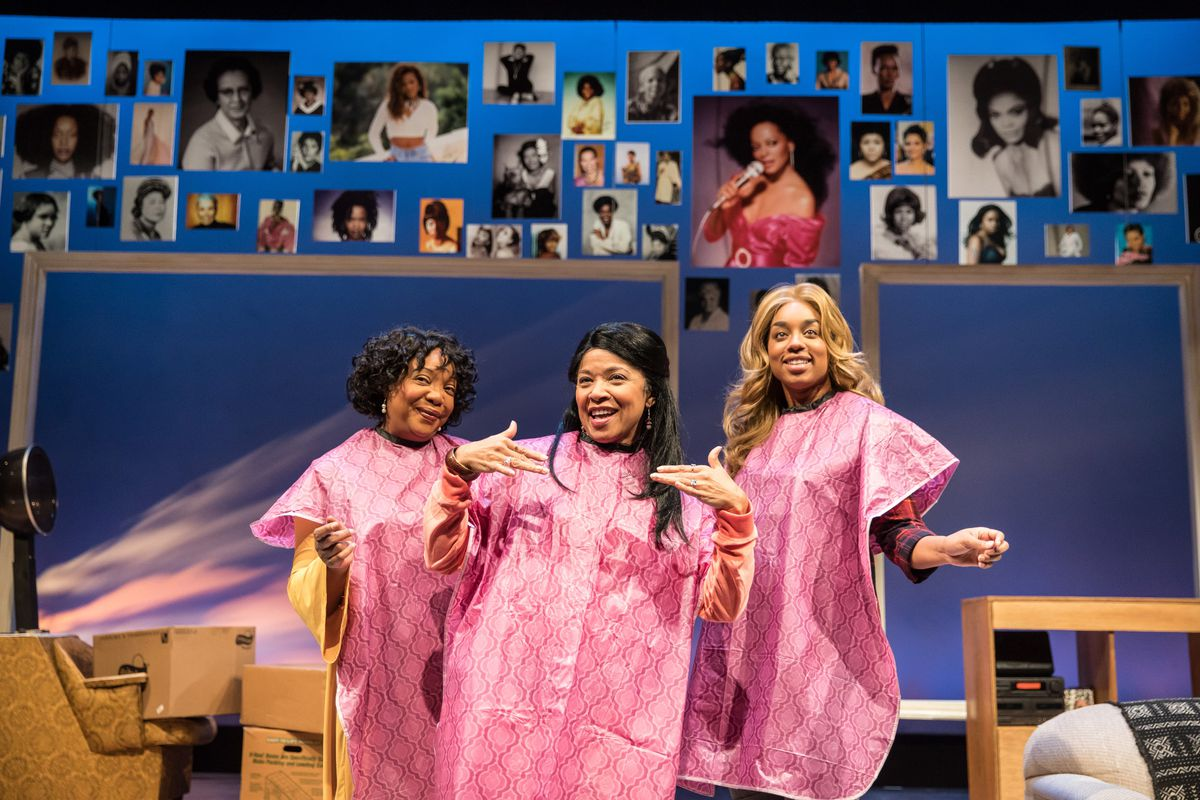"""Jacqueline Williams, Linda Bright Clay and Camille Robinson star in """"A Wonder in My Soul"""" at Victory Gardens. (Photo: Liz Lauren)"""