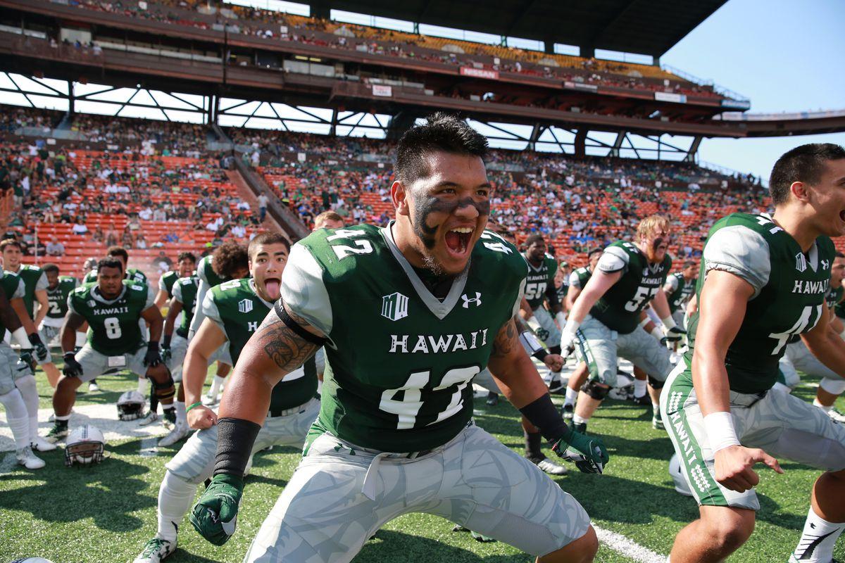Why Hawaii Football Plays In The Hawaii Bowl So Often Sbnation Com