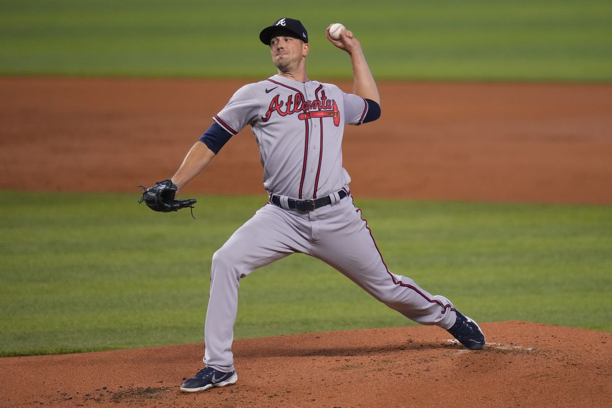 Drew Smyly #18 of the Atlanta Braves delivers a pitch in the first inning against the Miami Marlins at loanDepot park on June 13, 2021 in Miami, Florida.