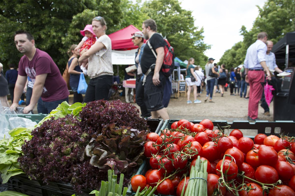 Food's carbon footprint depends on local and seasonal produce working in tandem