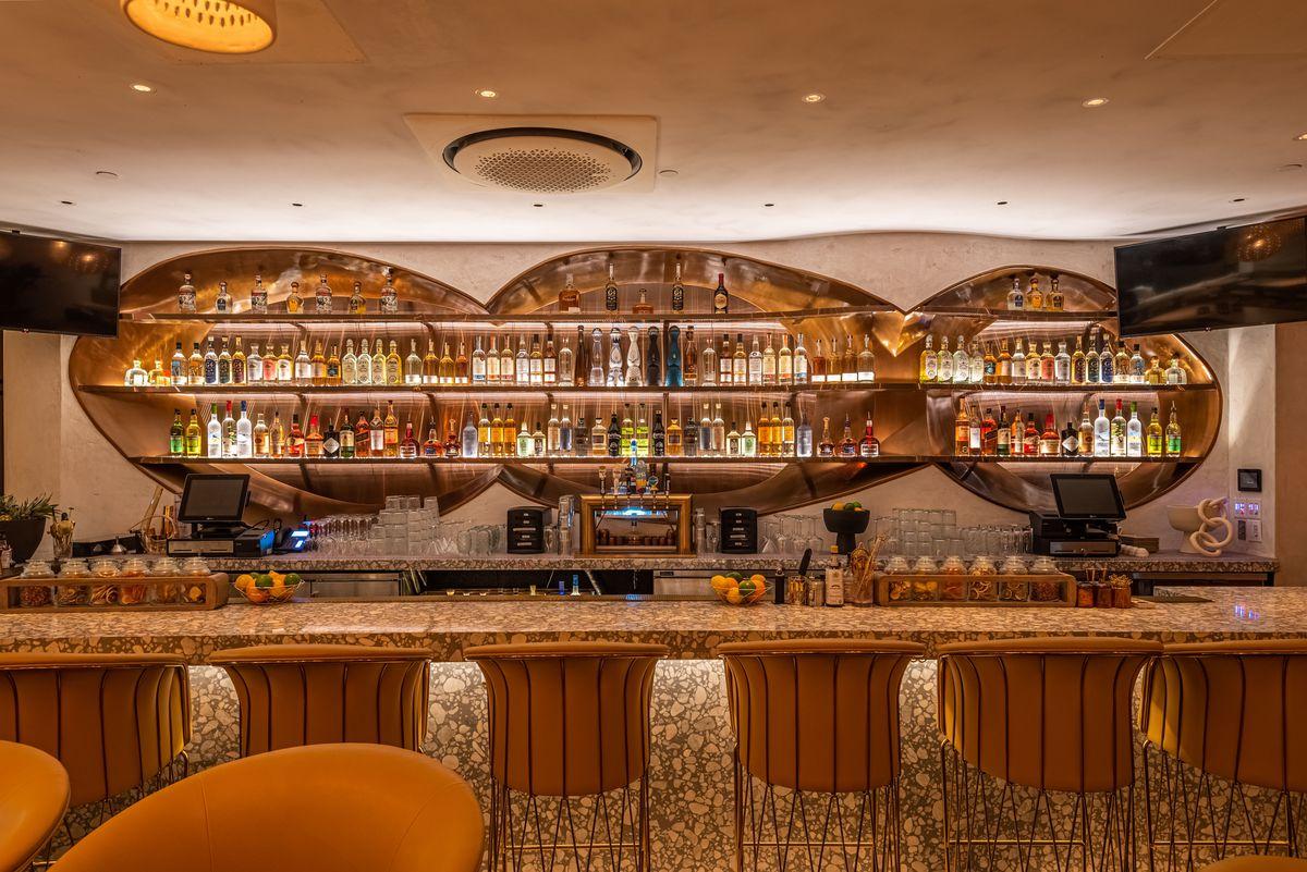 Bar at Esperanza in Manhattan Beach