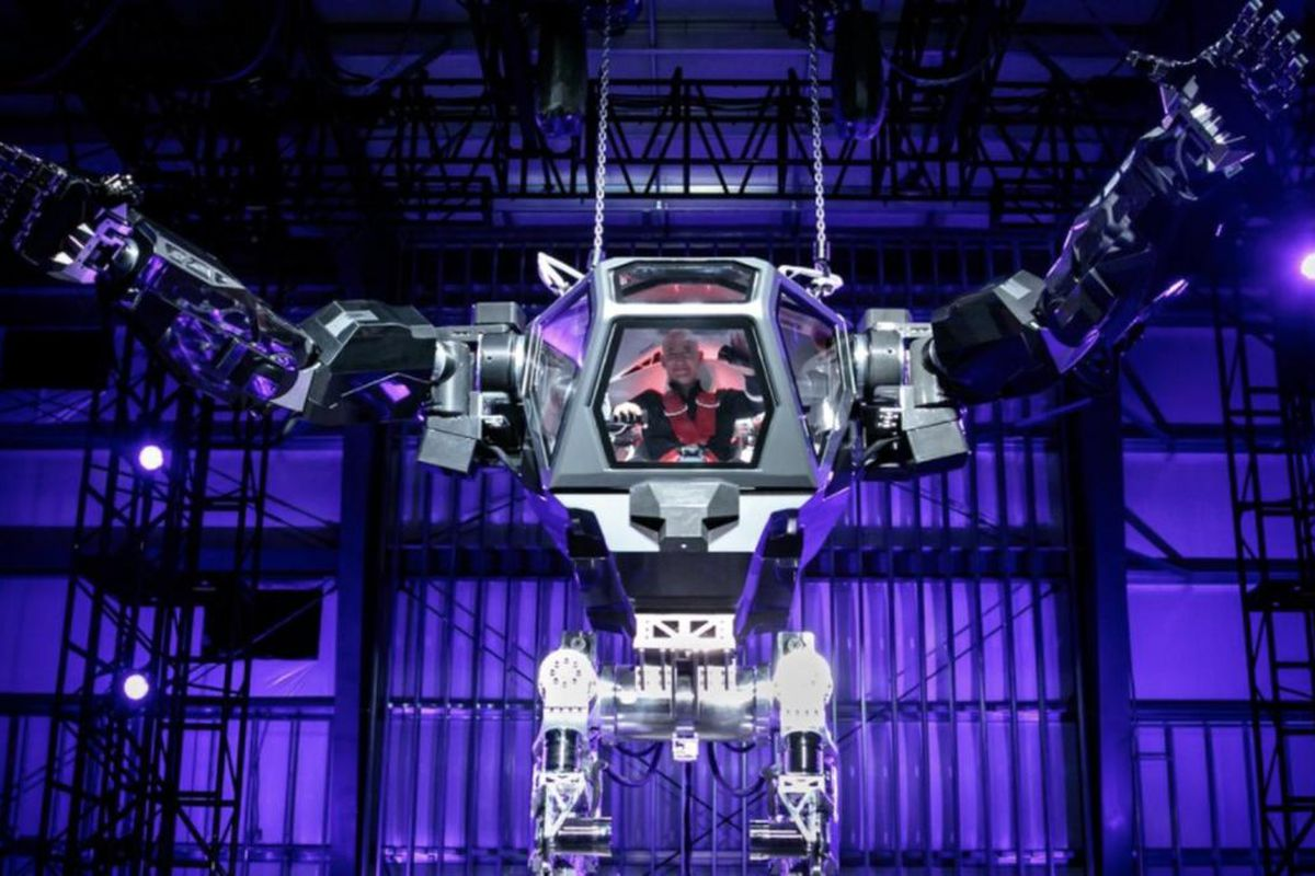 Amazon CEO Jeff Bezos tweeted a picture of himself inside a massive robot machine, not unlike the models seen in Iron Man films and comics.