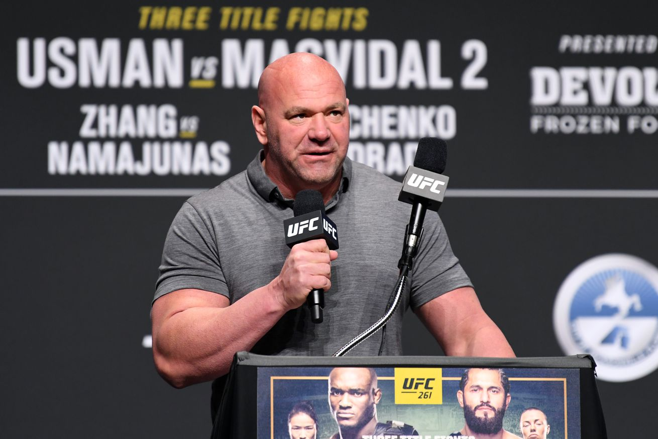 Dana White addresses the rumors about a supposed fight between Oscar De La Hoya and Georges St-Pierre, courtesy of Triller.