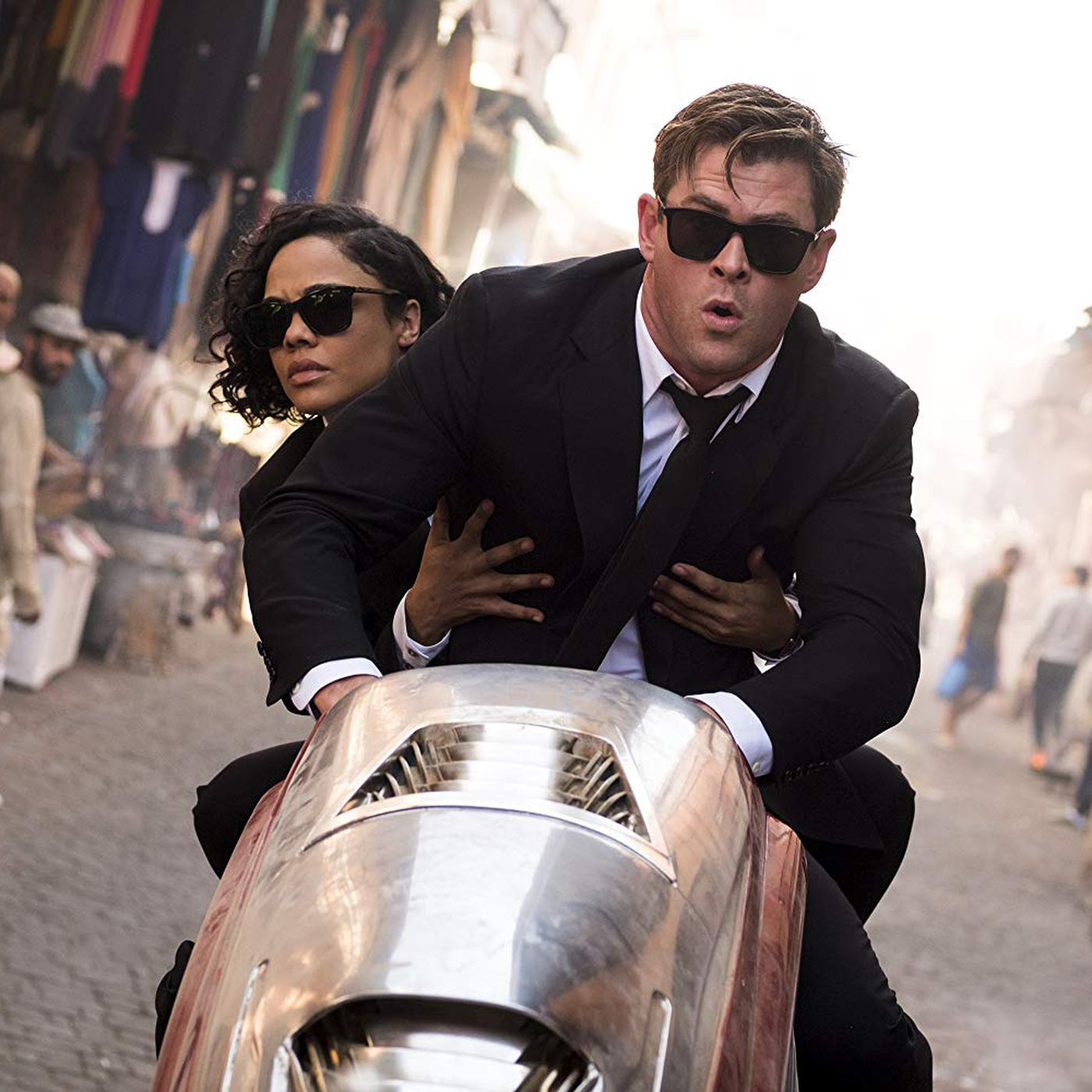 Men In Black International Review A Solid Hemsworth And