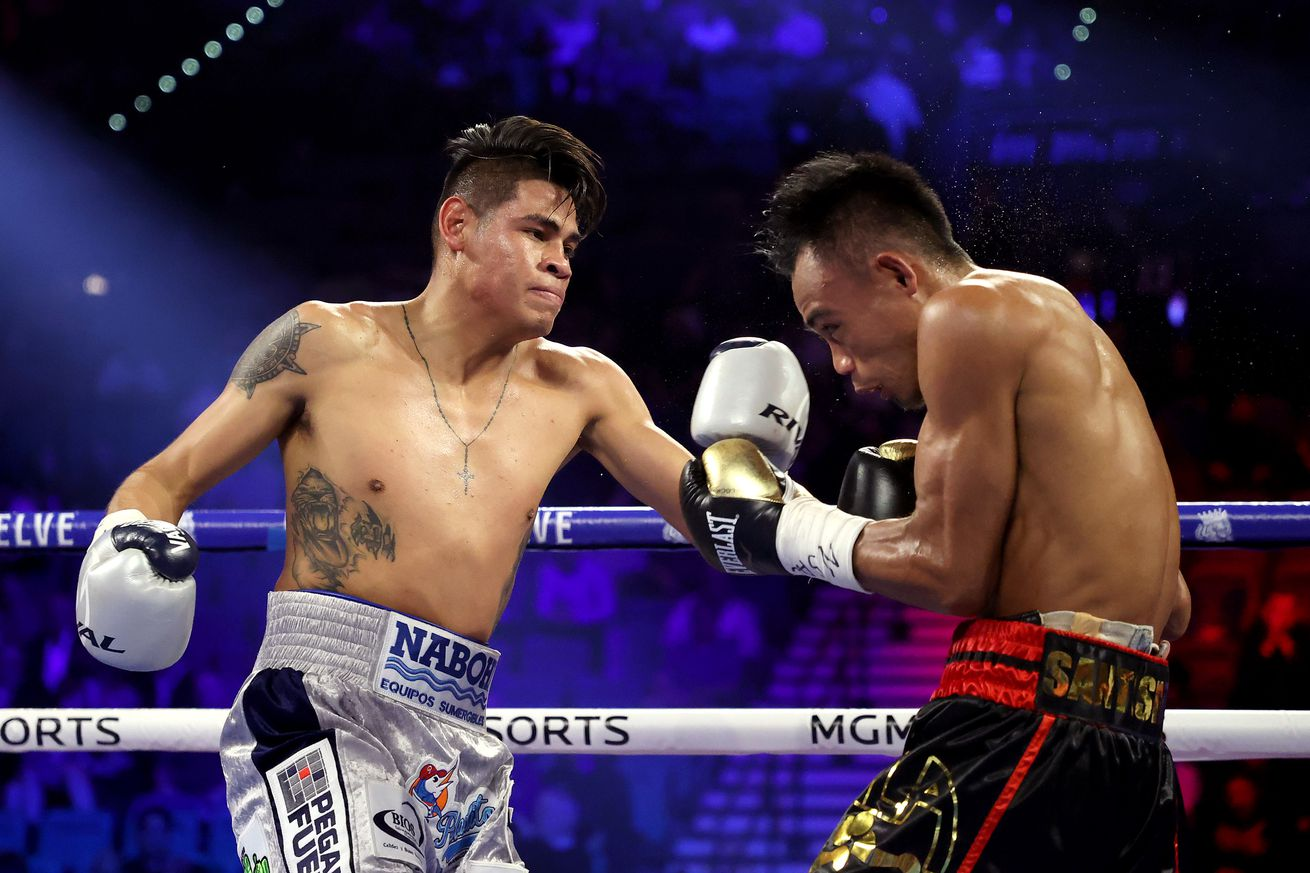 1208065129.jpg.0 - Navarrete to face Villa for vacant WBO title in October
