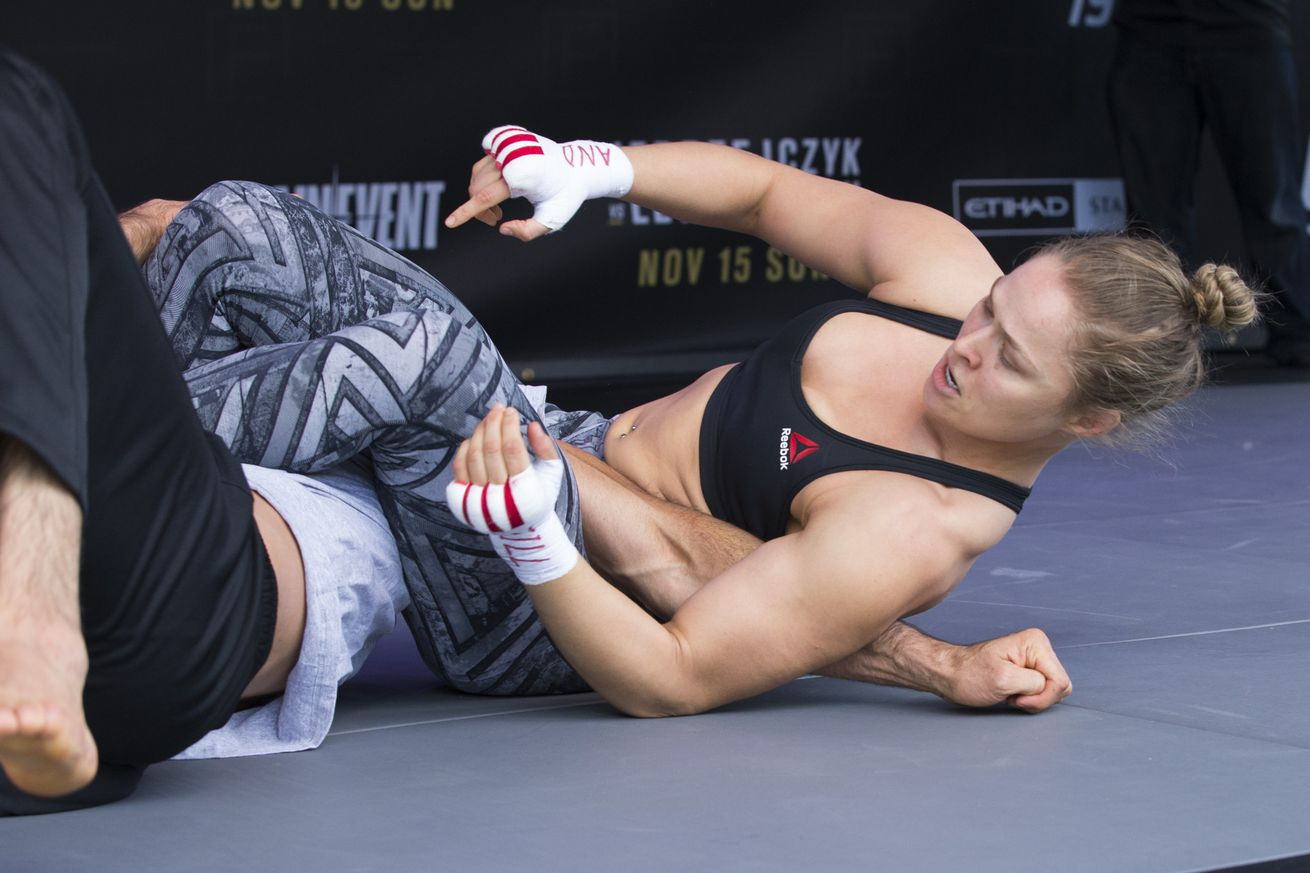 045_Ronda_Rousey_workout.0.0.0.0.jpg