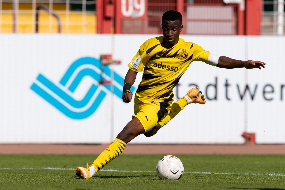 SC Preussen Muenster v Borussia Dortmund - Junior Bundesliga West