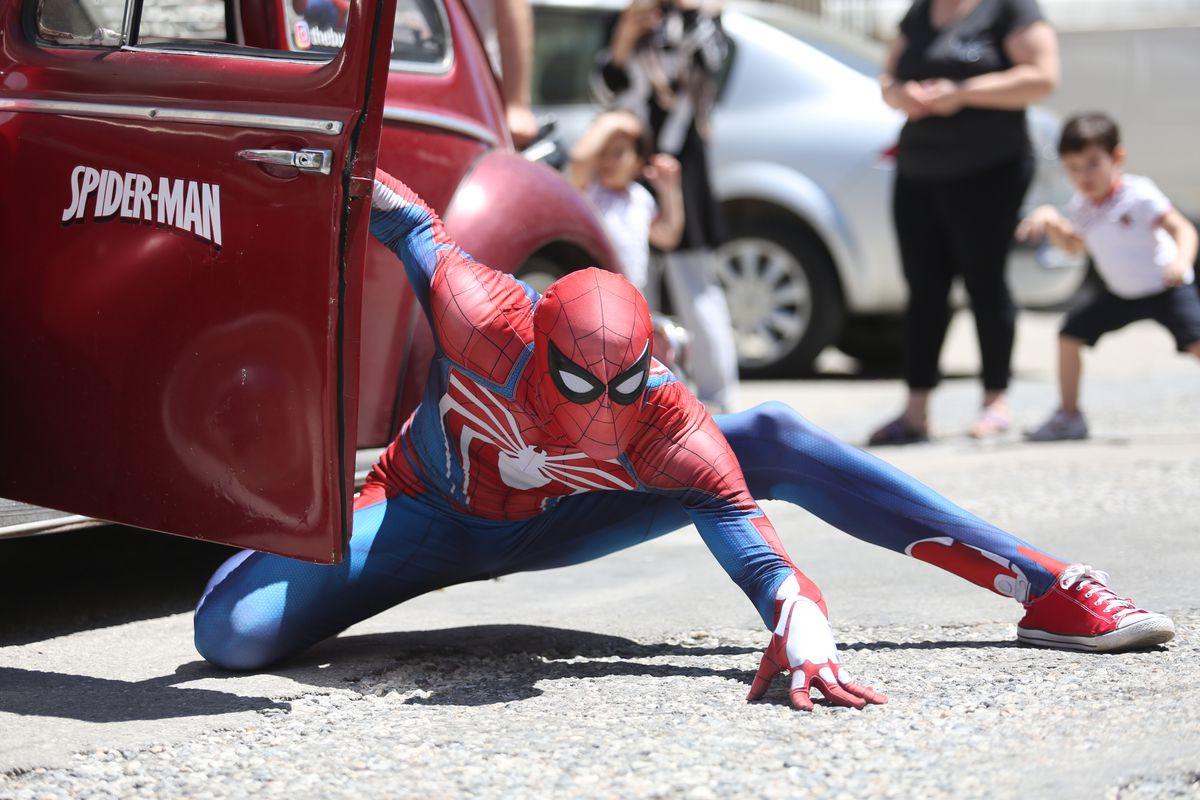 """Candy from """"Spider-Man"""" to children in Turkey's Antalya"""