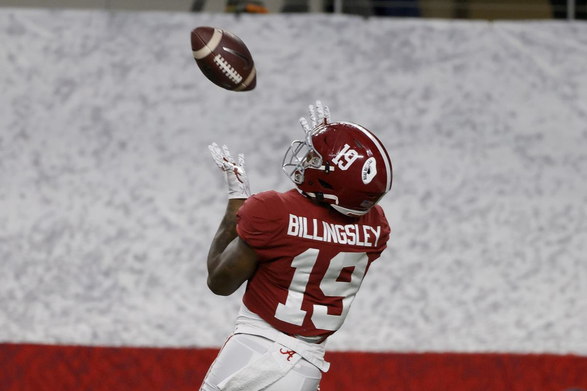 Alabama tight end Jahleel Billingsley (19) reaches up to catch a touchdown pass in the first half of the Rose Bowl NCAA college football game against Notre Dame in Arlington, Texas, Friday, Jan. 1, 2021.
