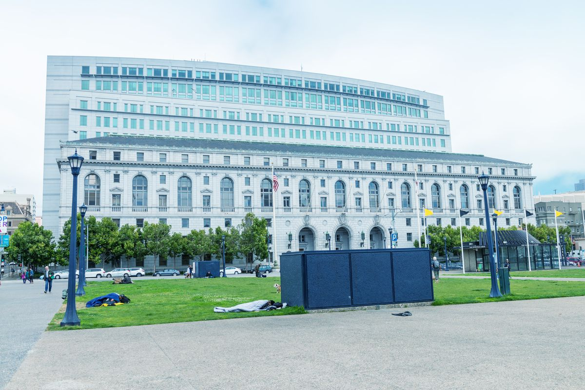 A photo of the SF superior court building.
