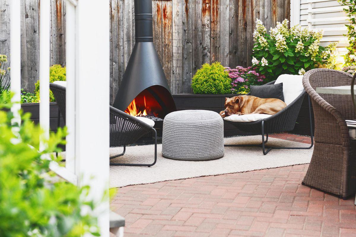 Summer 2021 Outdoor Rooms, Yellow Brick Home, vintage Preway outdoor fireplace