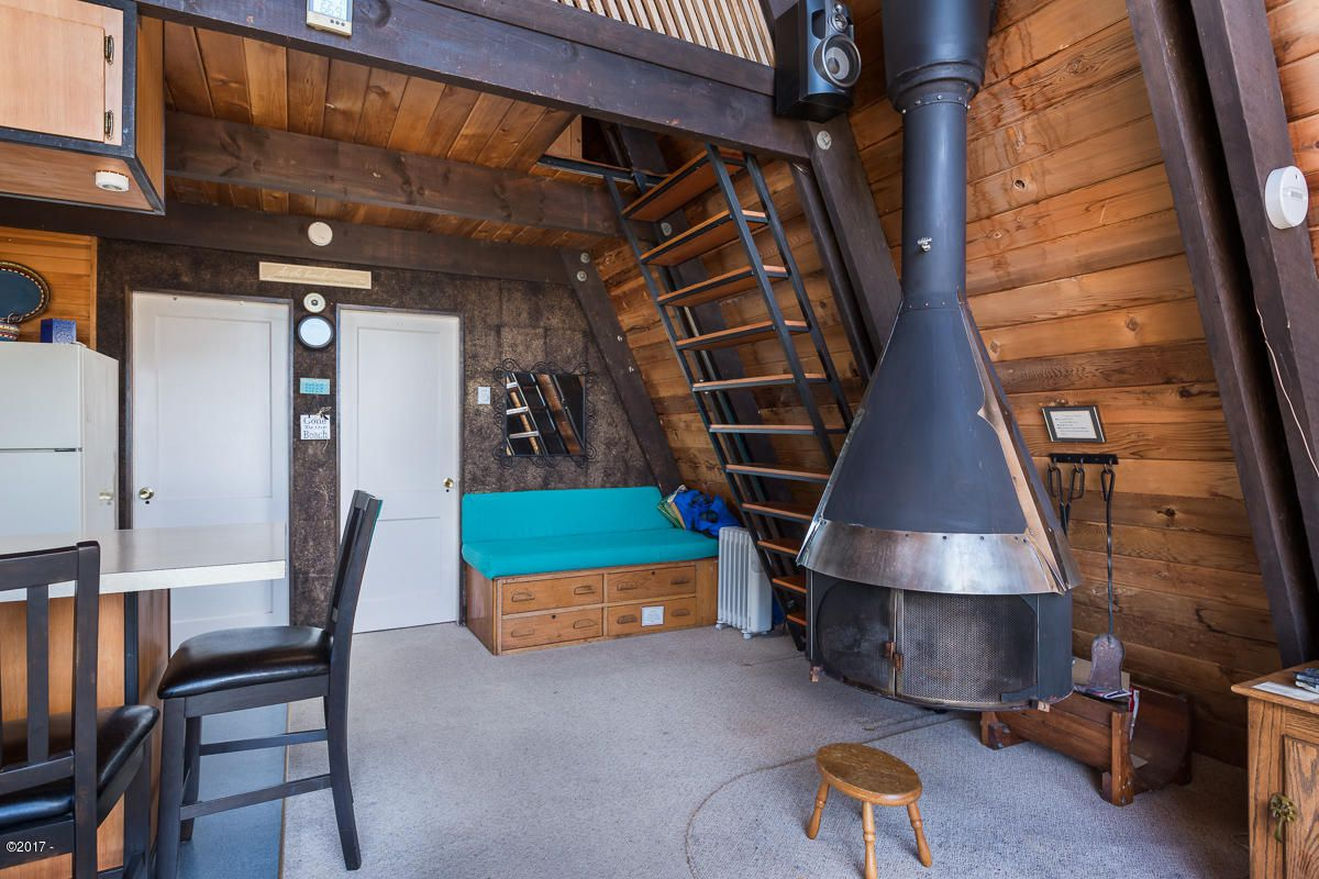 Buy this charming A-frame beach house for $315K - Curbed