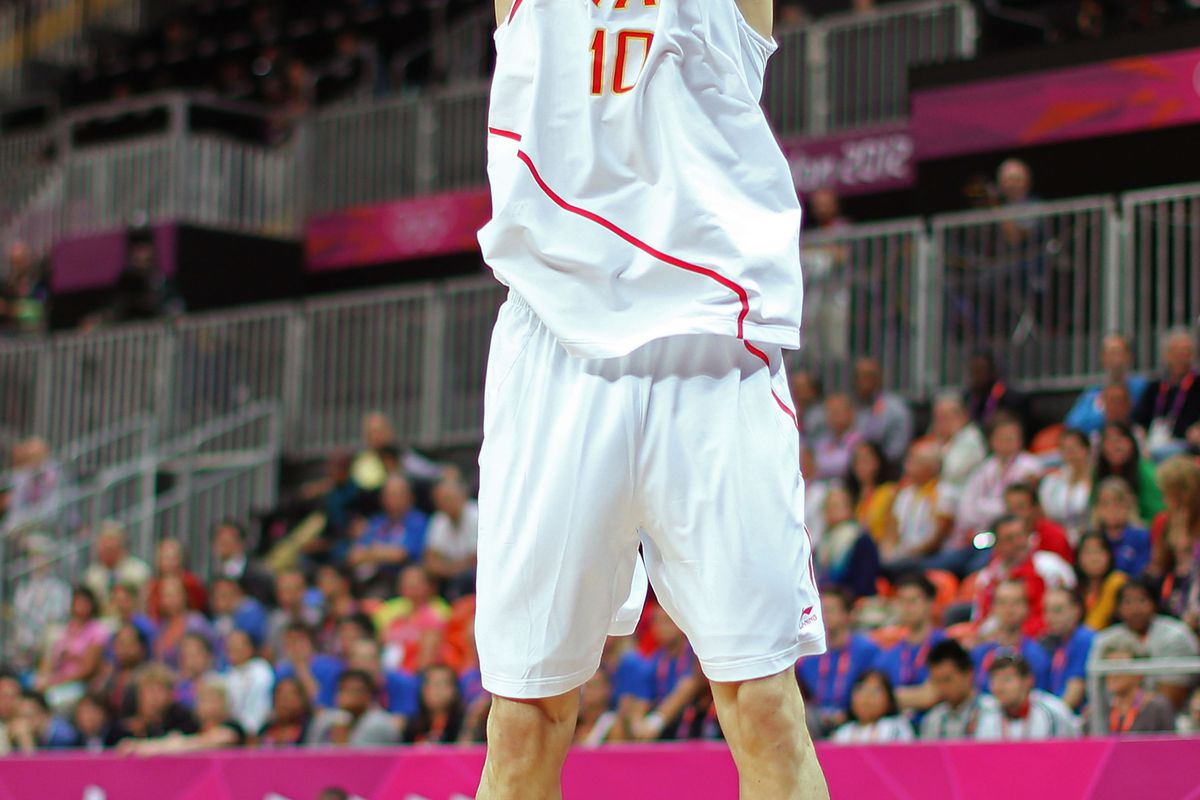 This photograph depicts Victor Claver shooting and therefore was not taken on Monday.