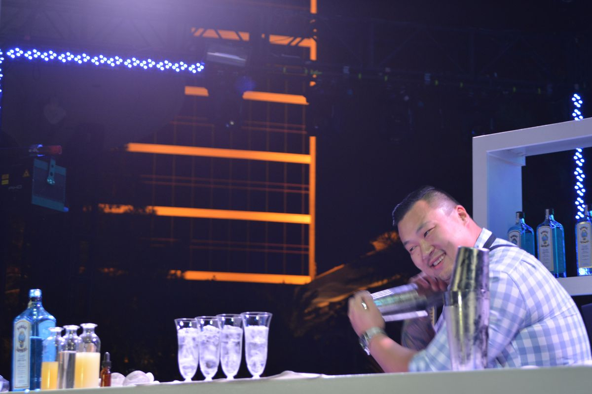 Ran Duan mixes his winning drink at the 2014 Bombay Sapphire & USBG Most Imaginative Bartender competition.