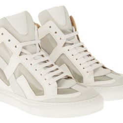 "<b>MM6</b> <a href=""http://otteny.com/catalog/shoes/leather-cutout-sneaker-44531.html"">Leather Cutout Sneaker</a>"