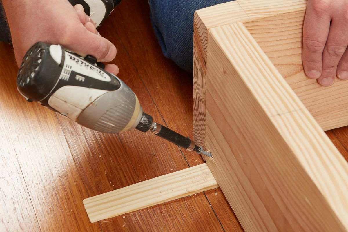 Fastening Base To Floor Of Room Divider Shelving With Deck Screws
