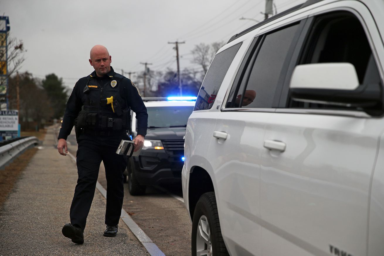 Biddeford police serious about handsfree cleehpne law