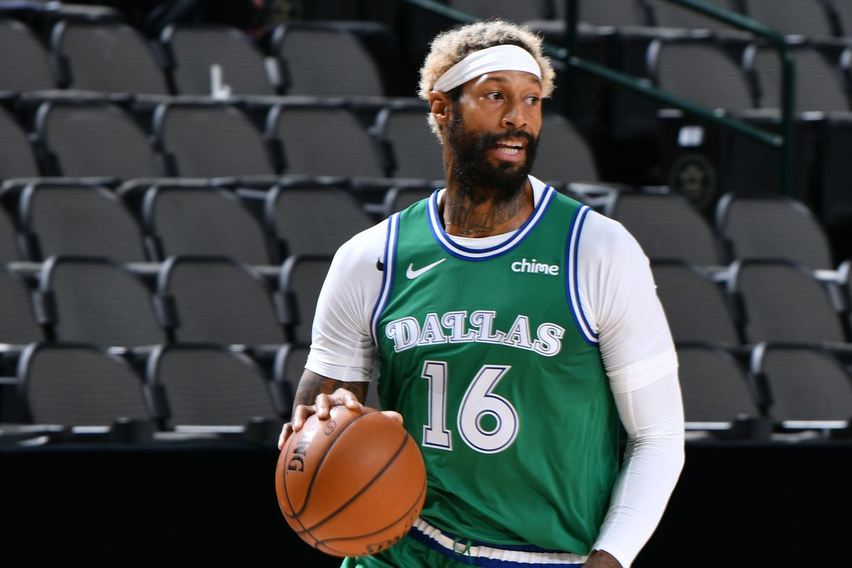 Charlotte Hornets v Dallas Mavericks