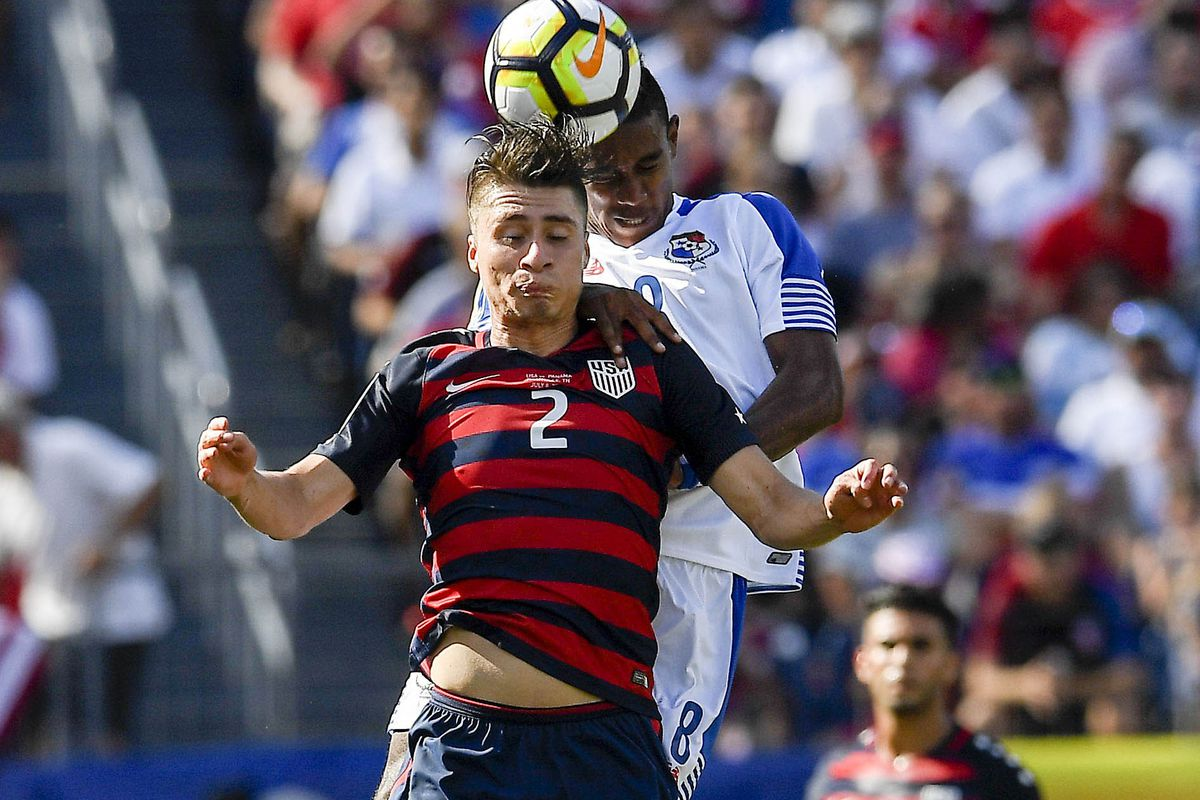U.S.  coach Arena opts for experience for Gold Cup knockout phase
