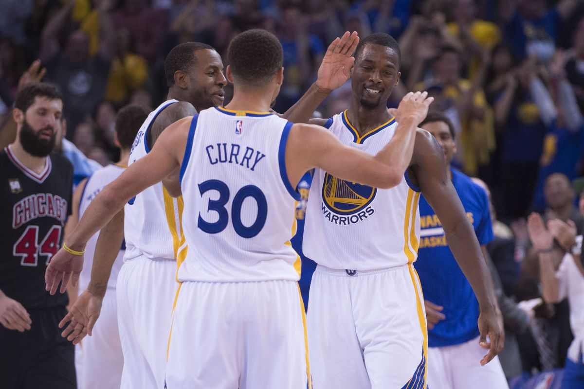Curry impersonates a sine wave.